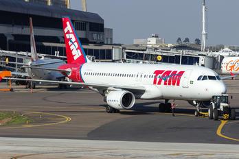 PR-MYX - TAM Airbus A320