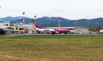HA-LWL - Wizz Air Airbus A320 aircraft