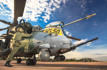 8955 - Brazil - Air Force Mil Mi-35 AH-2 Sabre