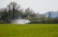 - - Private Rolladen-Schneider LS8 aircraft