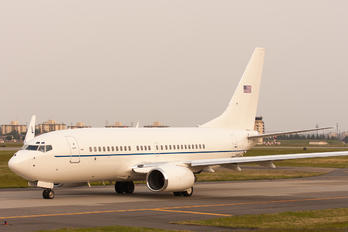 02-0201 - USA - Air Force Boeing C-40C