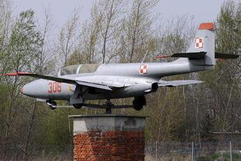 306 - Poland - Air Force PZL TS-11 Iskra