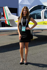 - - Grob Aerospace - Aviation Glamour - Model