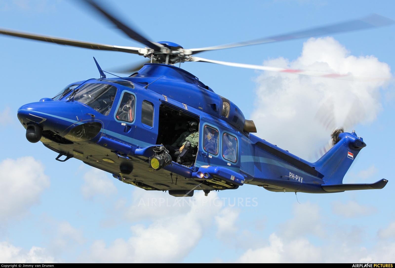 Agusta Westland -  Advanced K Hollan Van Z Kaia Real