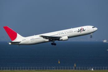 JA8299 - JAL - Japan Airlines Boeing 767-300