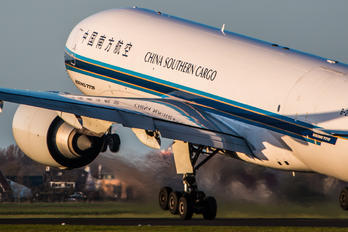B-2042 - China Southern Cargo Boeing 777F