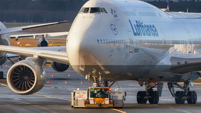 D-ABYK - Lufthansa Boeing 747-8