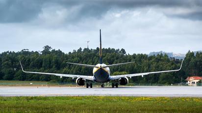 EI-EKG - Ryanair Boeing 737-800