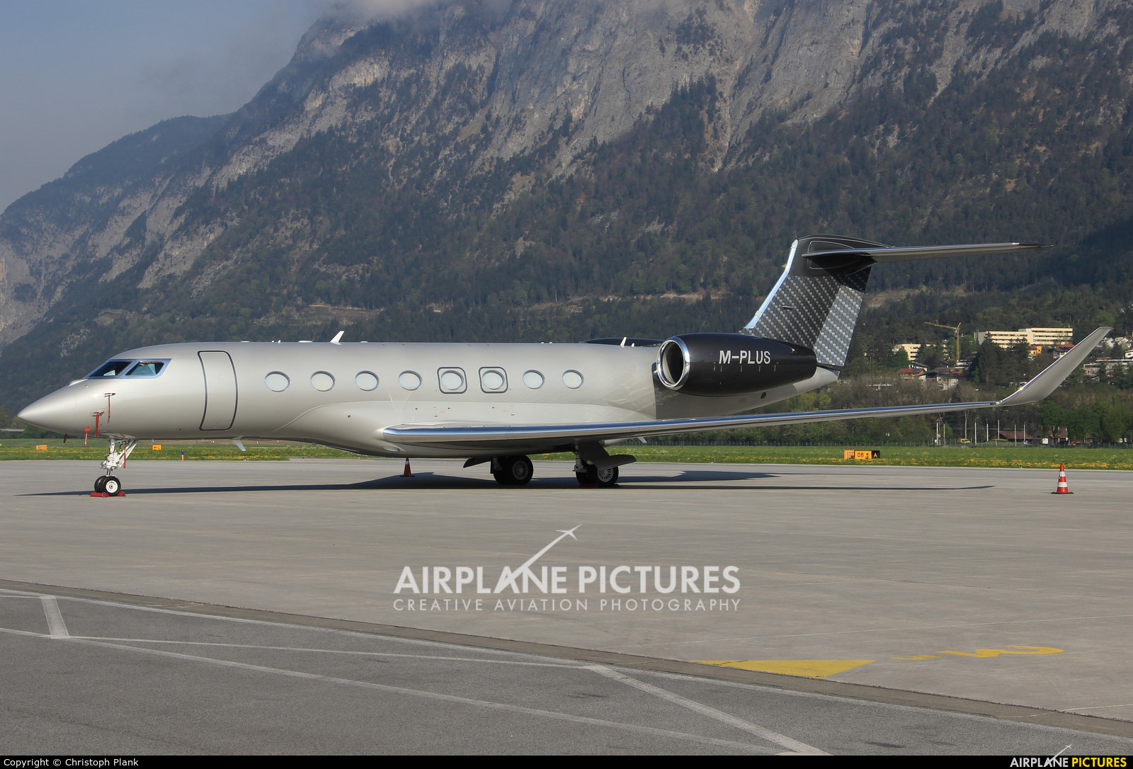 Private M-PLUS aircraft at Innsbruck