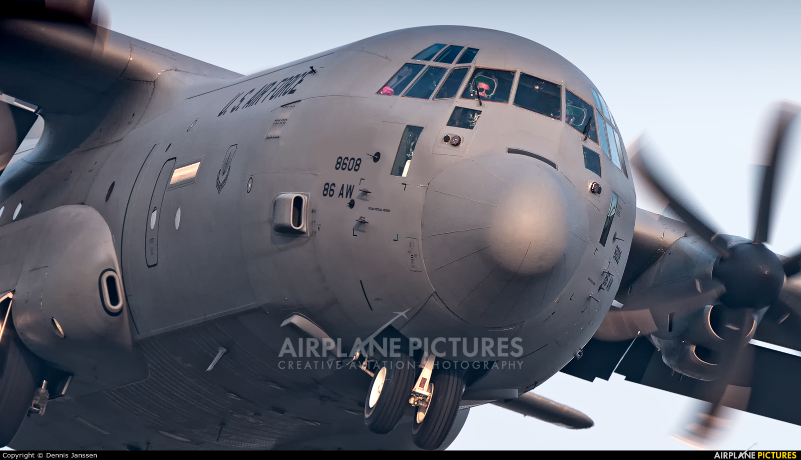 USA - Air Force 07-8608 aircraft at Amsterdam - Schiphol