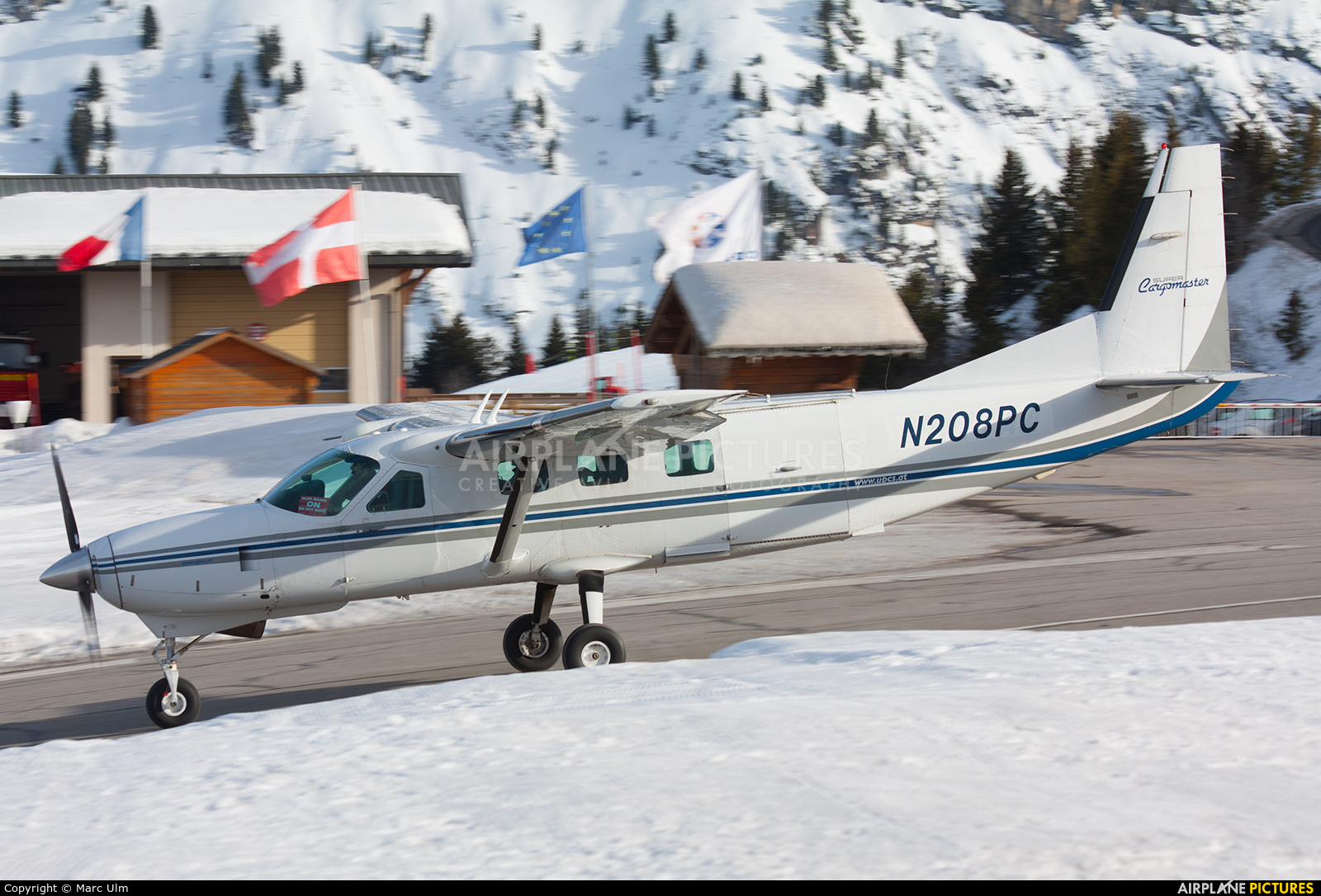 Private N208PC aircraft at Courchevel