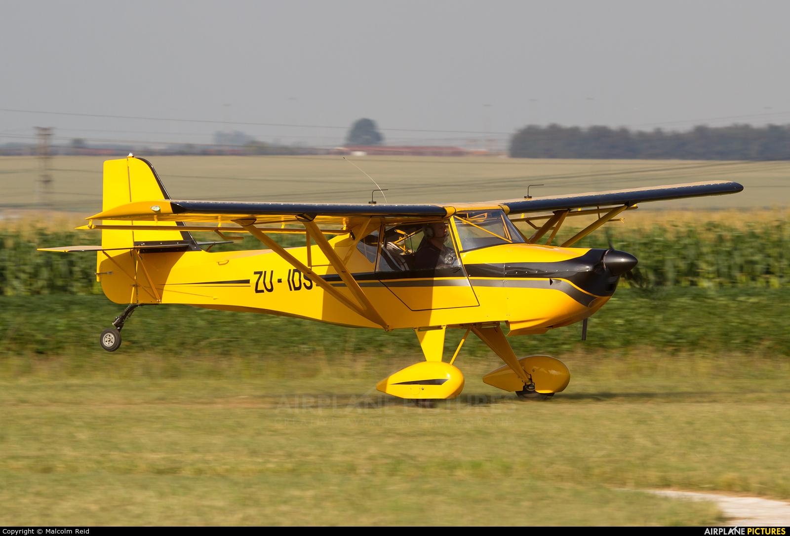 Private ZU-IDS aircraft at Petit