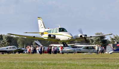 LV-HIO - Private Beechcraft 58 Baron