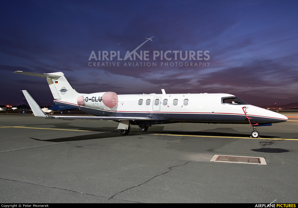 Cirrus Aviation D-CLUX aircraft at Zagreb