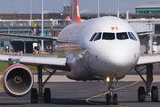 G-EZWK - easyJet Airbus A320 aircraft