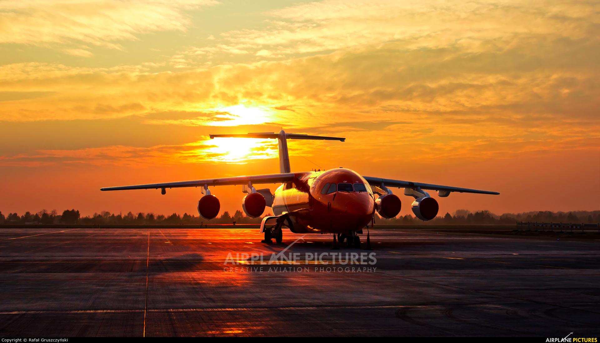 TNT EC-LOF aircraft at Warsaw - Frederic Chopin