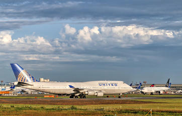 N128UA - United Airlines Boeing 747-400