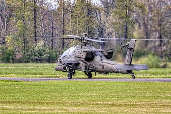 19020 - USA - Army Boeing AH-64 Apache