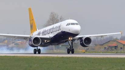 G-OZBX - Monarch Airlines Airbus A320