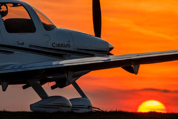 D-EGGT - Private Cirrus SR22