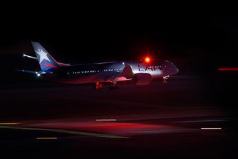 CC-BB_ - LAN Airlines Boeing 787-8 Dreamliner