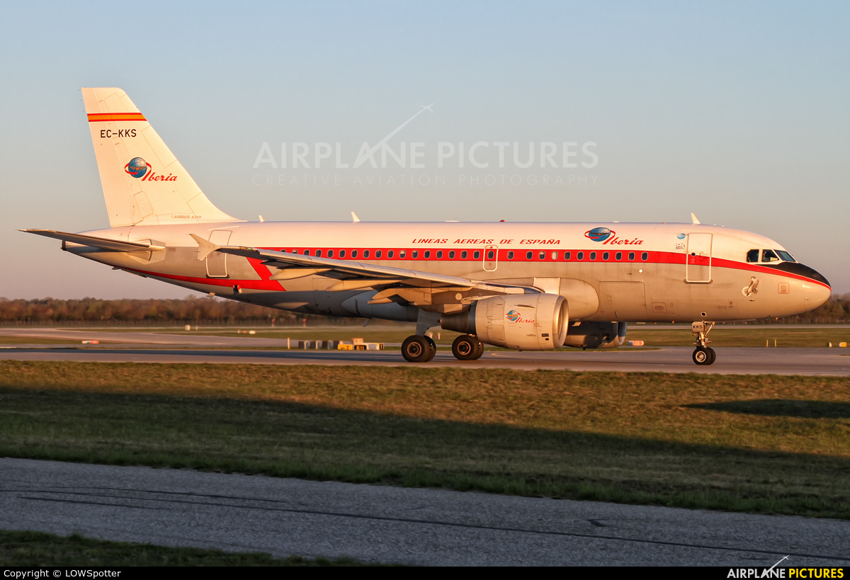 Iberia EC-KKS aircraft at Munich