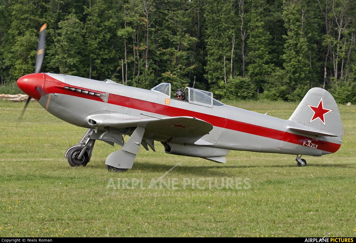 Private F-AZLY aircraft at La Ferté-Alais