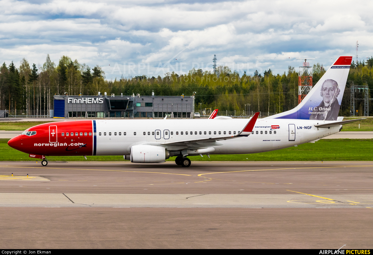 Norwegian Air Shuttle LN-NGF aircraft at Helsinki - Vantaa