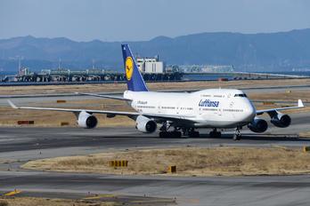 D-ABVL - Lufthansa Boeing 747-400