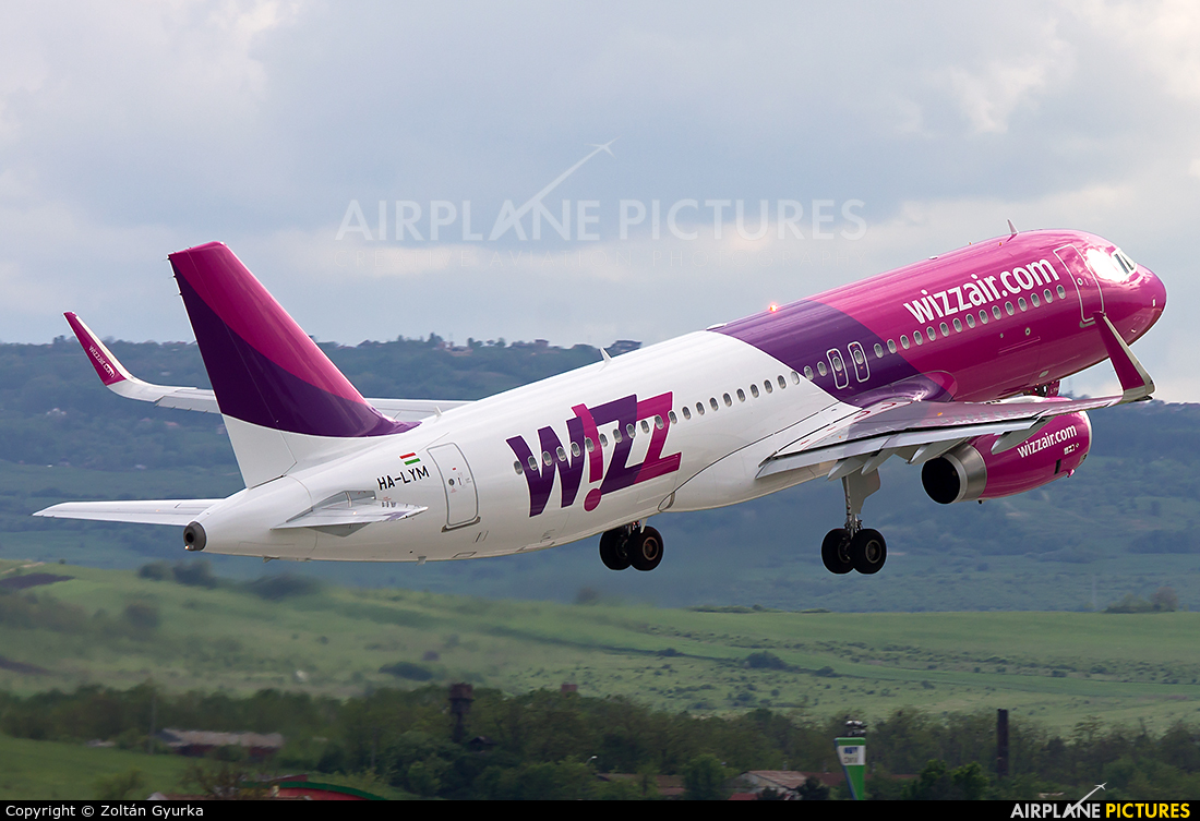 Wizz Air HA-LYM aircraft at Cluj Napoca - Someseni