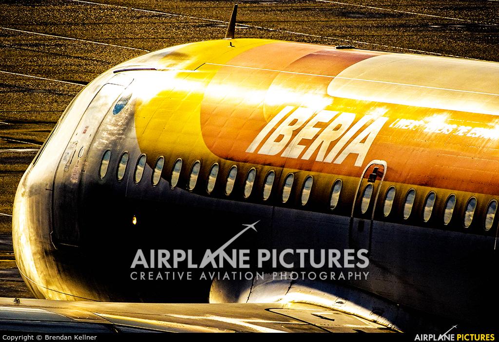 Iberia EC-JAZ aircraft at Zurich