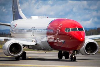 LN-DYK - Norwegian Air Shuttle Boeing 737-800