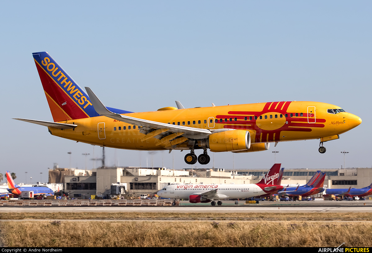 Southwest Airlines N781WN aircraft at Los Angeles Intl