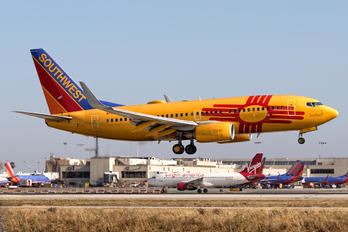 N781WN - Southwest Airlines Boeing 737-700