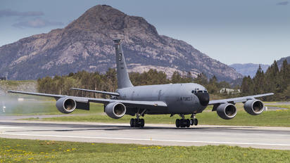 - - USA - Air Force Boeing KC-135R Stratotanker