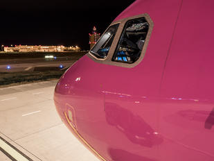 HA-LPJ - Wizz Air Airbus A320