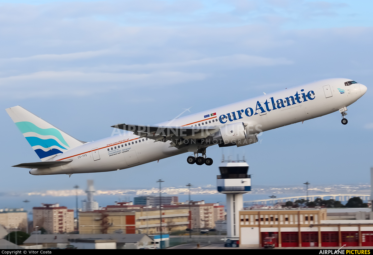 Euro Atlantic Airways CS-TFS aircraft at Lisbon