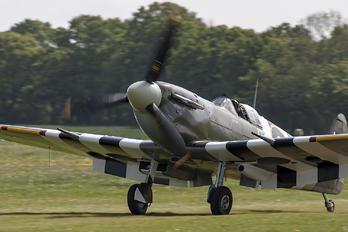 "AB910 - Royal Air Force ""Battle of Britain Memorial Flight& Supermarine Spitfire Vb"