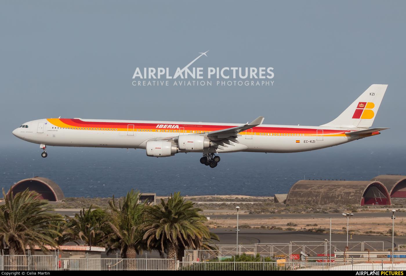Iberia EC-KZI aircraft at Las Palmas de Gran Canaria