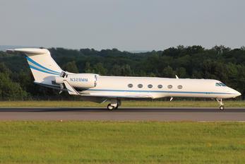 N328MM - Private Gulfstream Aerospace G-V, G-V-SP, G500, G550