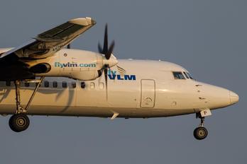 OO-VLF - VLM Airlines Fokker 50