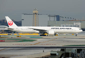 JA741J - JAL - Japan Airlines Boeing 777-300ER