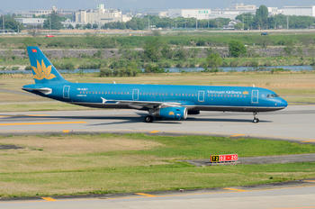 VN-A357 - Vietnam Airlines Airbus A321