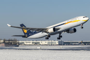 VT-JWU - Jet Airways Airbus A330-300