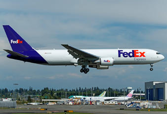 N121FE - FedEx Federal Express Boeing 767-300F