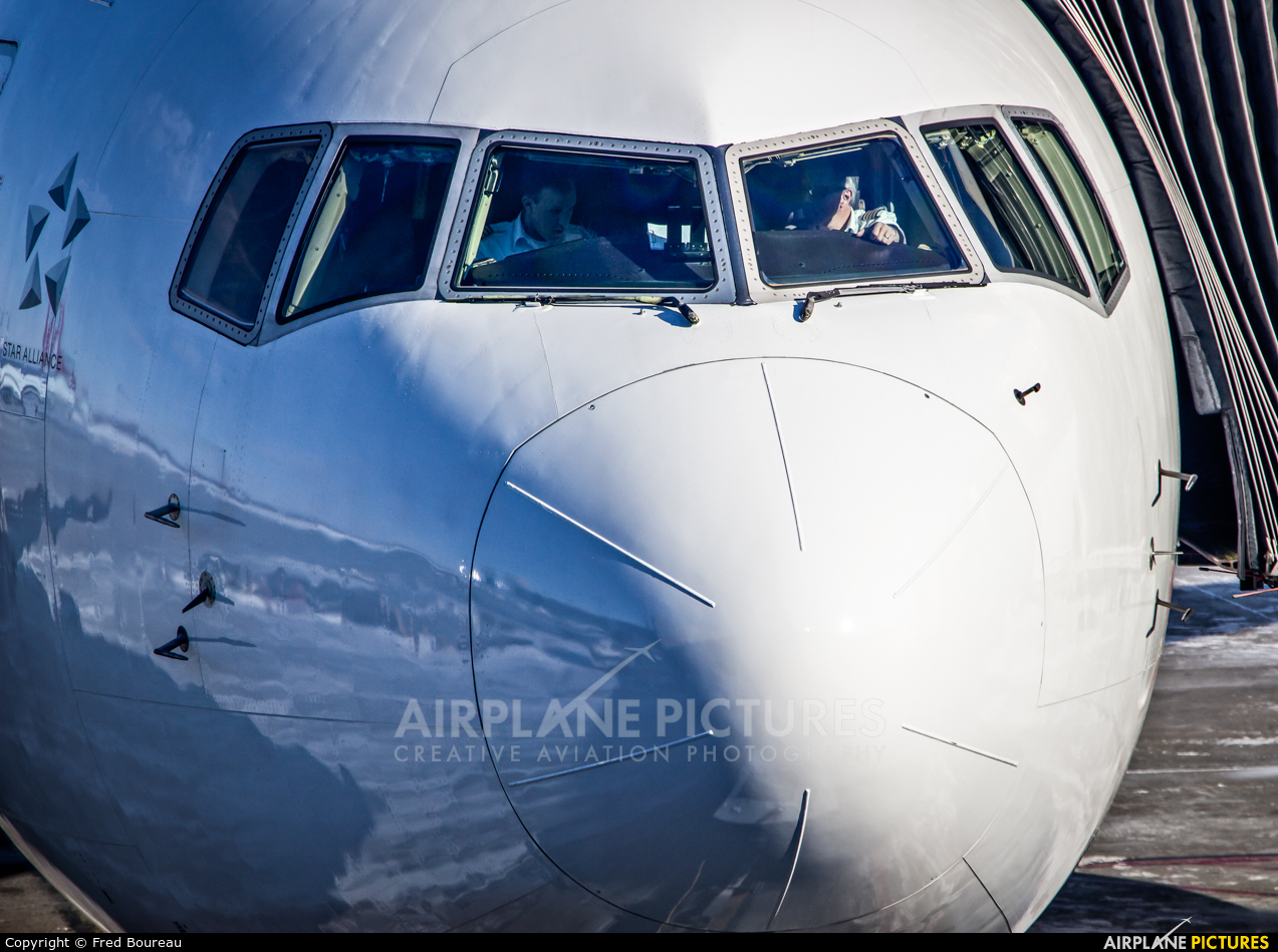 Air Canada Rouge C-FMWU aircraft at Montreal - Pierre Elliott Trudeau Intl, QC