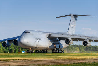 860024 - USA - Air Force Lockheed C-5B Galaxy