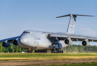 860024 - USA - Air Force Lockheed C-5B Galaxy