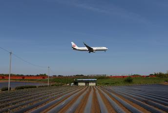 JA619J - JAL - Japan Airlines Boeing 767-300ER