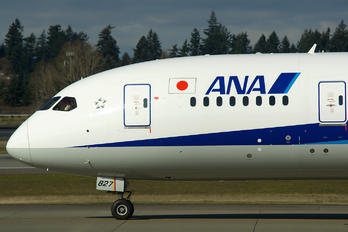 JA827A - ANA - All Nippon Airways Boeing 787-8 Dreamliner